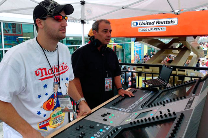 FOH engineer Mark Fiore (R) and assistant engineer Josh Johnston